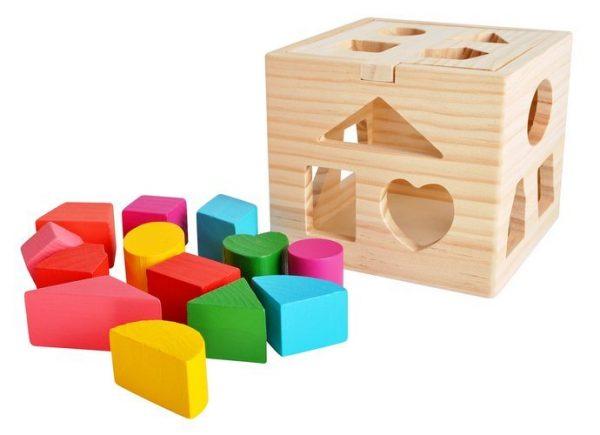 Drevená vzdelávacia kocka na hranie